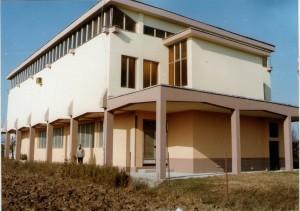 23 Crkva sa stražnje strane nakon završetka svih vanjskih radova -  jesen 1982. godine