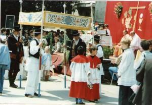 37 Tijelovska procesija od jedne do druge župe